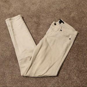 Forever 21 sz 26 Cream Skinny Jeans